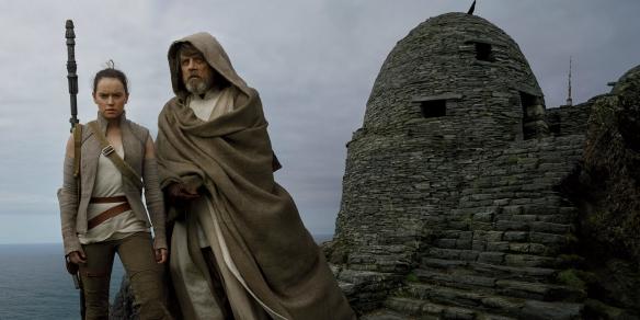 rey-and-luke-skywalker-in-the-last-jedi